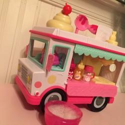 Num Nom Lip gloss Truck